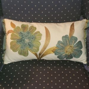 Pier 1 Pillow Matching Tablerunner turquoise green